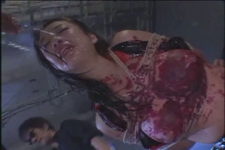 ガチガチに緊縛した美乳美女。全身に蝋燭を垂らされながらマンコを突かれるSM調教セックス。